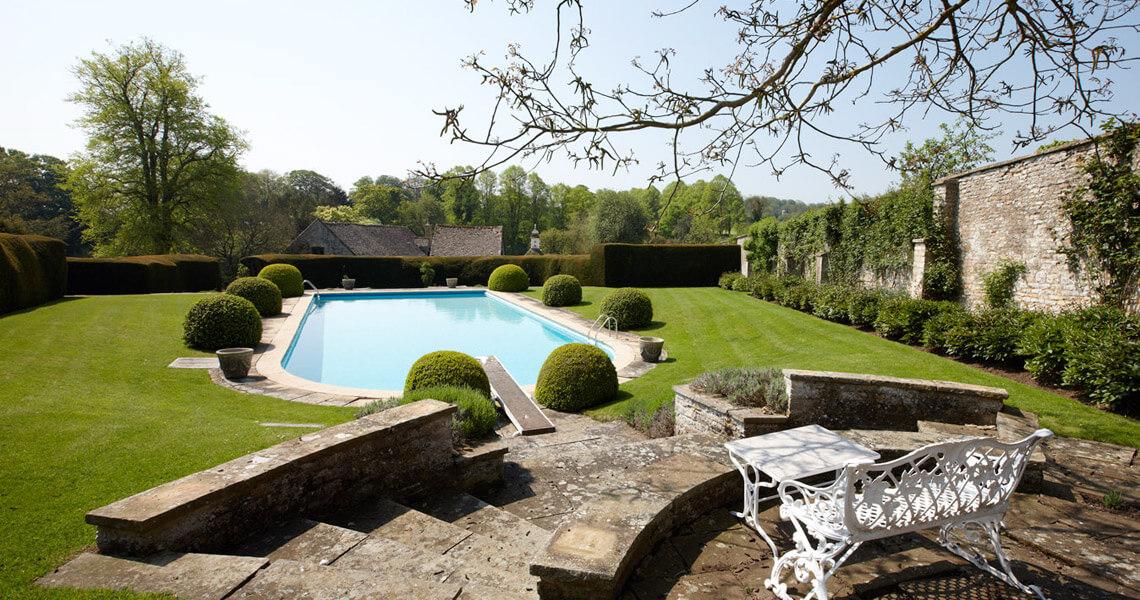 Cornwell Manor Swimming Pool